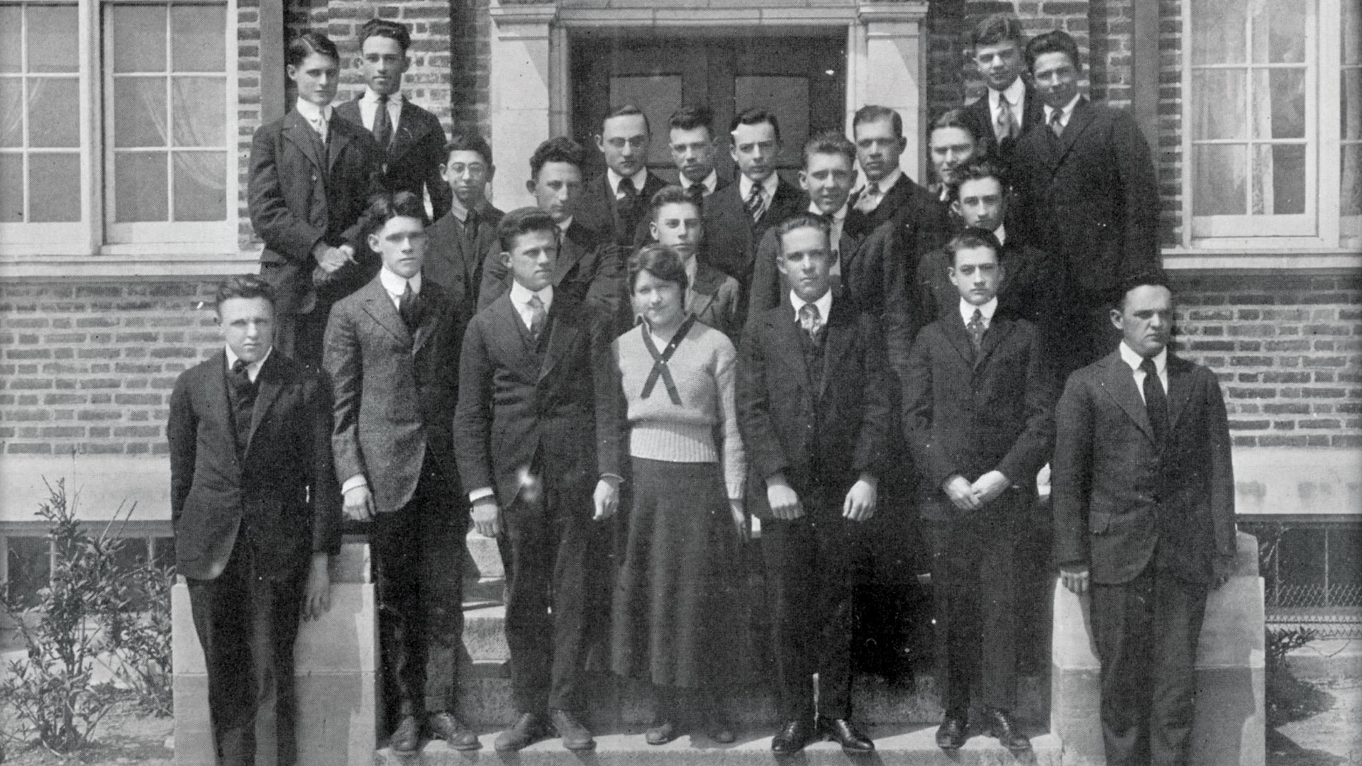 Elizabeth Hook stands out in the class of 1920's sophomore class photo. (Photos courtesy of University Archives)